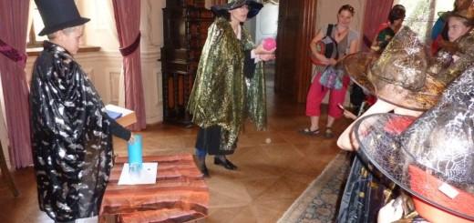 Z kouzelnických prohlídek na zámku v Mníšku pod Brdy, foto: Ing. Marie Charvátová