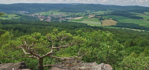 Vyhlídka Čertova kazatelna na vrcholu Plešivce